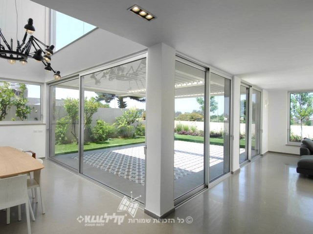 Sliding doors -exit to balcony/yard