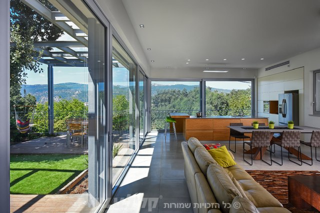 Sliding touch doors in the living room